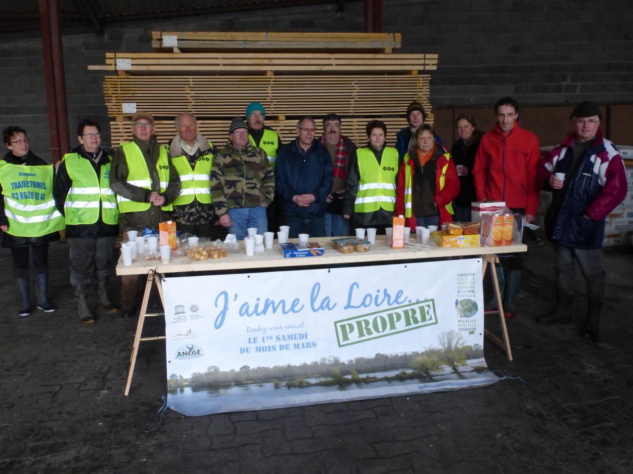 """""""J'aime la Loire propre"""" à Cosne Cours sur Loire, mars 2016"""