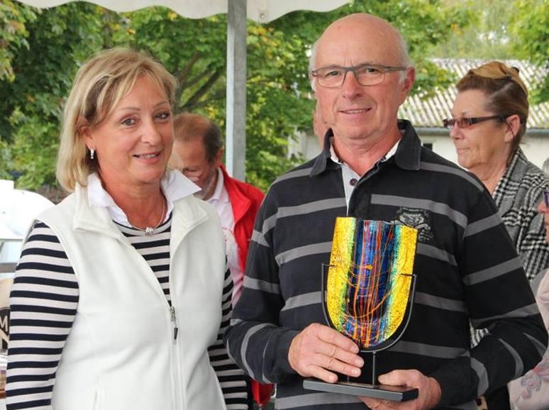 Octobre 2017,Rallye des Vignobles à Cosne/Loire, remise récompense.